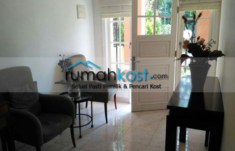 Rumah-Cantik-Raffles-Hills-Cibubur-(7).jpg