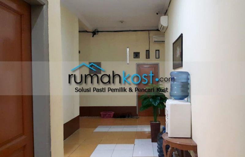Kost-MAN-DIRI-Jakarta-(1).jpg